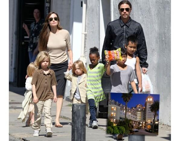 Angelina y Brad van a todos lados con sus hijos y por ello los tienen como reyes.