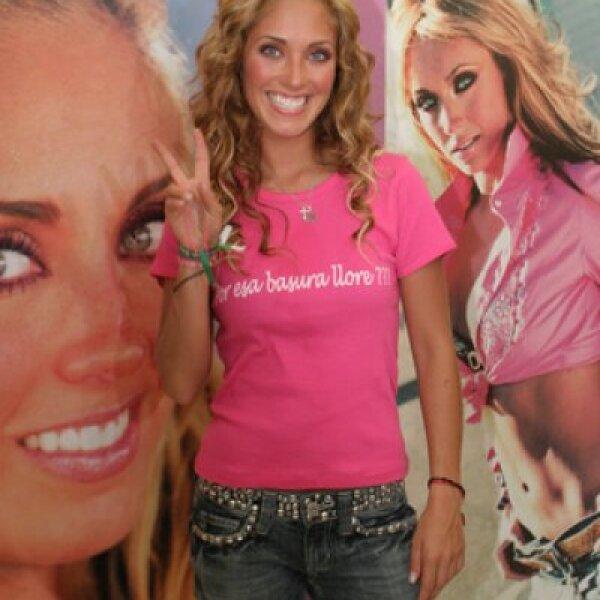 La primera vez que Anahí interpretó `Mi Delirio´ fue en la pasada entrega de los Premios Juventud 2009.