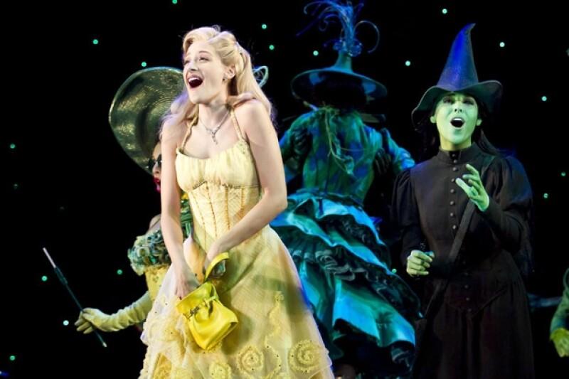 Cecilia de la Cueva es Glinda, la bruja buena.