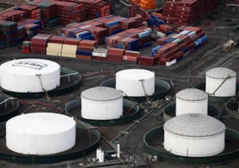 Una prolongada ola de frío en EU desencadenó una racha alcista de fin de año en los contratos de combustibles a futuro. (Foto: AP)