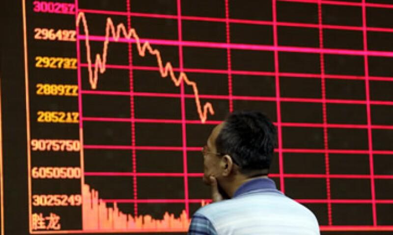 El Shanghai Composite Index ha perdido cerca del 40% de su valor desde mediados de junio. (Foto: Reuters)