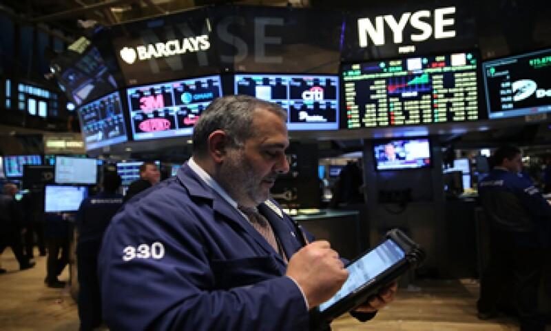 Una alza de las tasas por parte de la Fed podría sacudir a los mercados. (Foto: AFP)