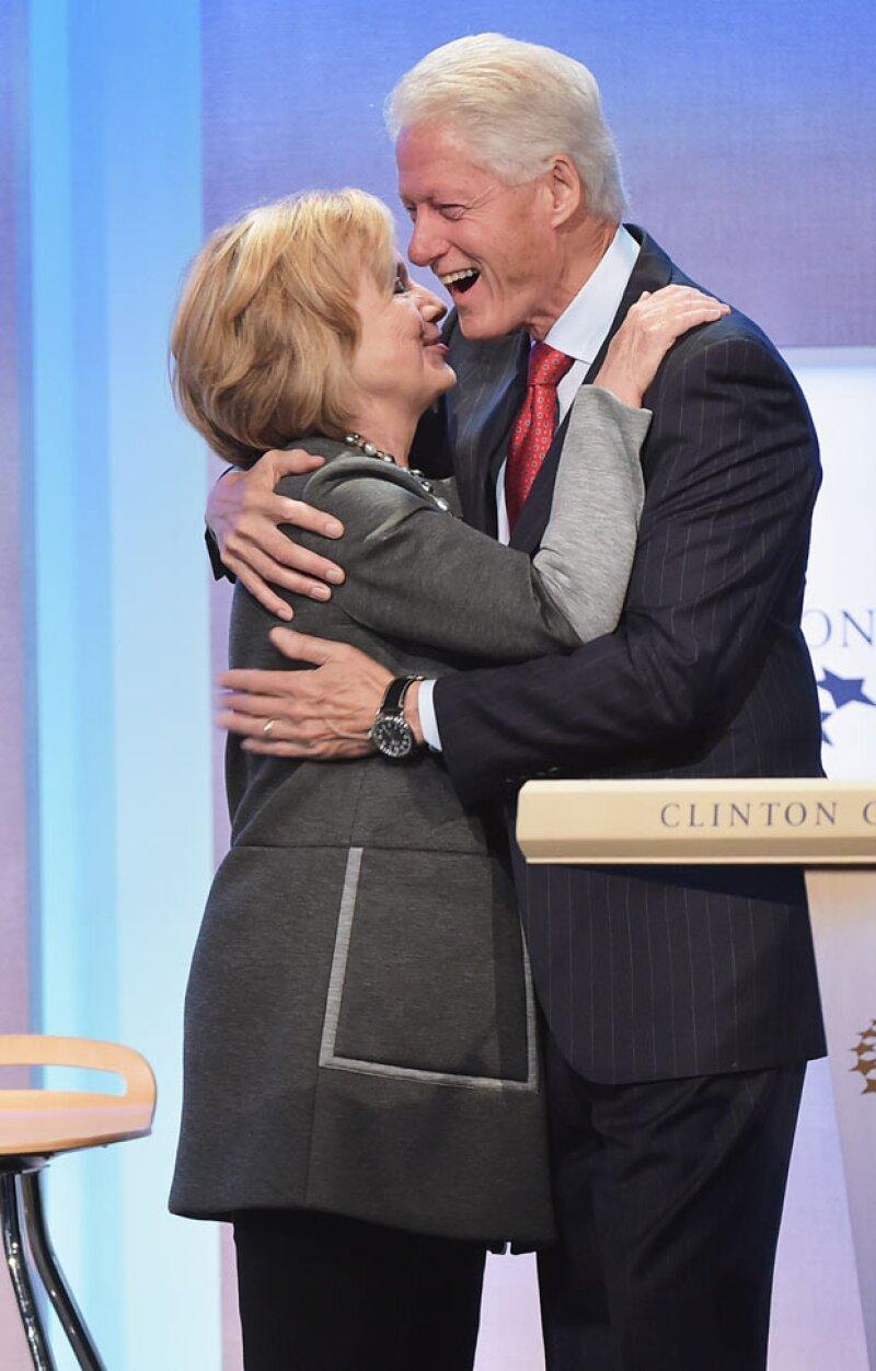 Bill y Hilary continúan juntos aún a pesar del escándalo años atrás con Monica Lewinsky.