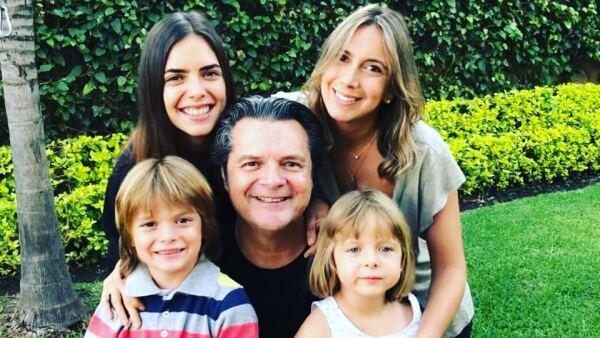 Ariel López Padilla y su familia