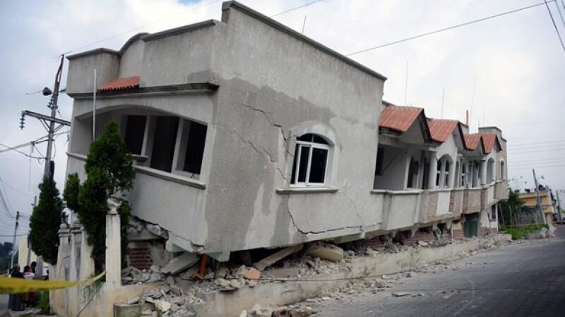 Una de las viviendas afectadas por el sismo registrado el lunes en Guatemala, en la frontera sur con México