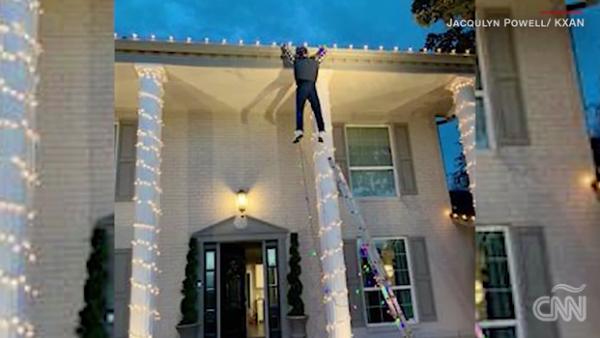 Esta decoración navideña provoca llamadas a la policía