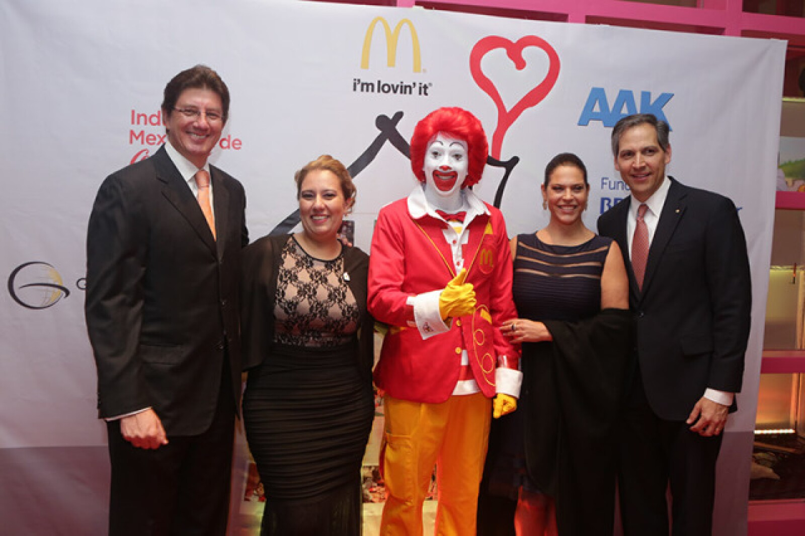 Félix Ramírez Montiel,Mayra Fritsche,Ronald McDonald,Irene Sorokin y Paul Davis