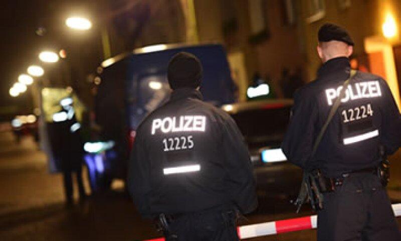 La policía de Berlín realiza operativos de vigilancia tras los atentados en Francia. (Foto: AFP)