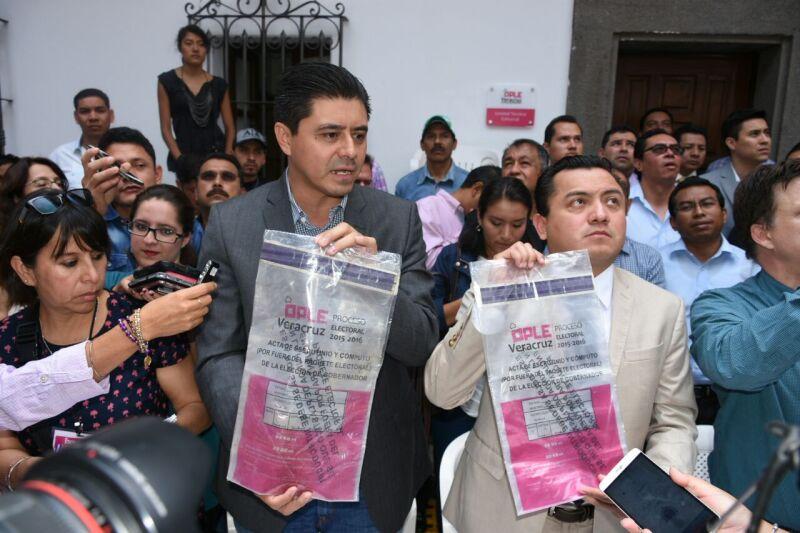 En conferencia de prensa, los dirigentes partidistas exigieron al organismo electoral que garantice la certeza del proceso electoral.