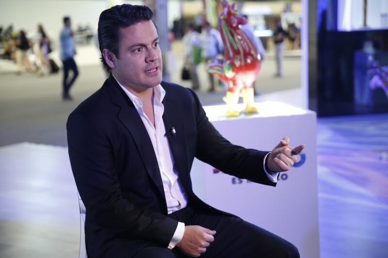 El gobernador Aristóteles Sandoval quiere ampliar los aeropuertos del estado.