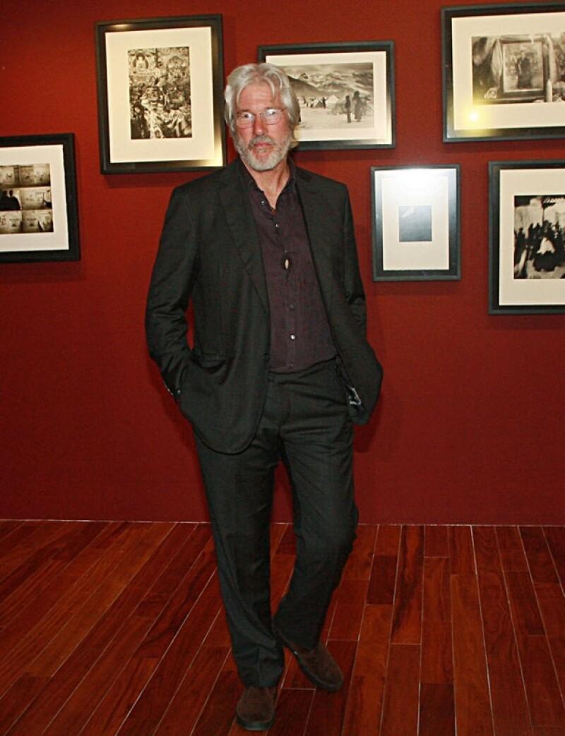 La colección está compuesta por 64 imágenes captadas por el actor entre 1981 y 1996 durante sus viajes por la India, el Tíbet y Mongolia.