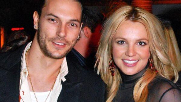 Kevin Federline- Era un rapero y músico, se dio a conocer por el matrimonio de 3 años que tuvo con la cantante  Britney Spears. Su divorcio fue muy escandaloso por obtener la custodia de sus dos hijos.