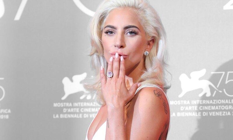 Lady-Gaga-Anillo-Compromiso-Rosa