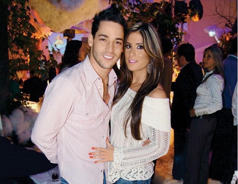 Manolo Núñez y Melissa López.