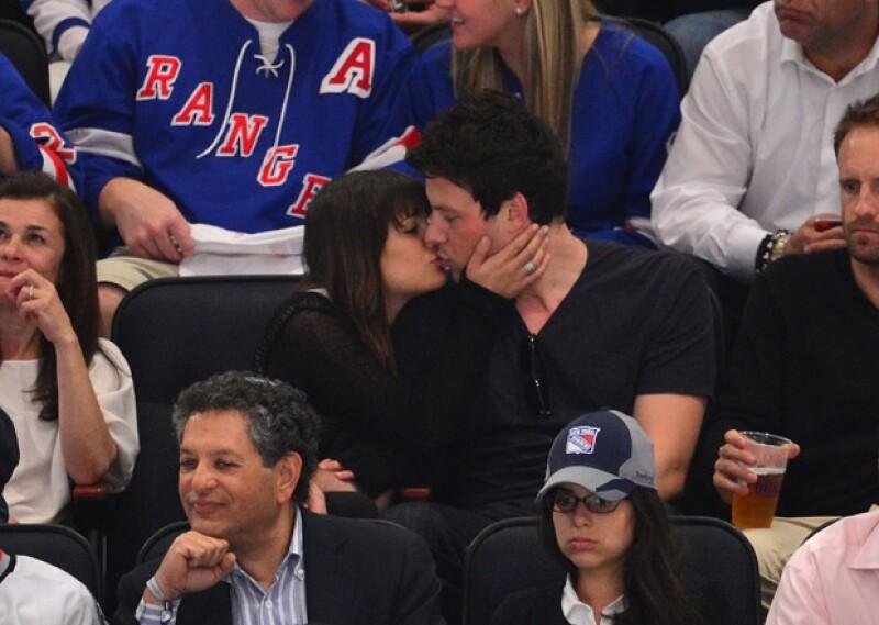 Aunque ambos sabían que habría cámaras en dicho partido, no les importó besárse en público.