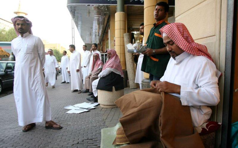 La apertura del mercado puede ayudar a Arabia Saudita a diversificar su economía. (Foto:Archivo)