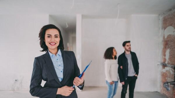 Mujer del sector inmobiliario