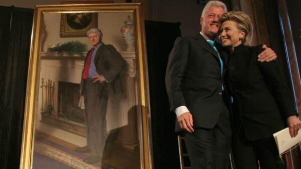 El pintor que hizo el retrato del expresidente de Estados Unidos Bill Clinton, que se encuentra en la Galería Nacional de Retratos, dio a conocer una referencia a Monica Lewinsky en su obra.