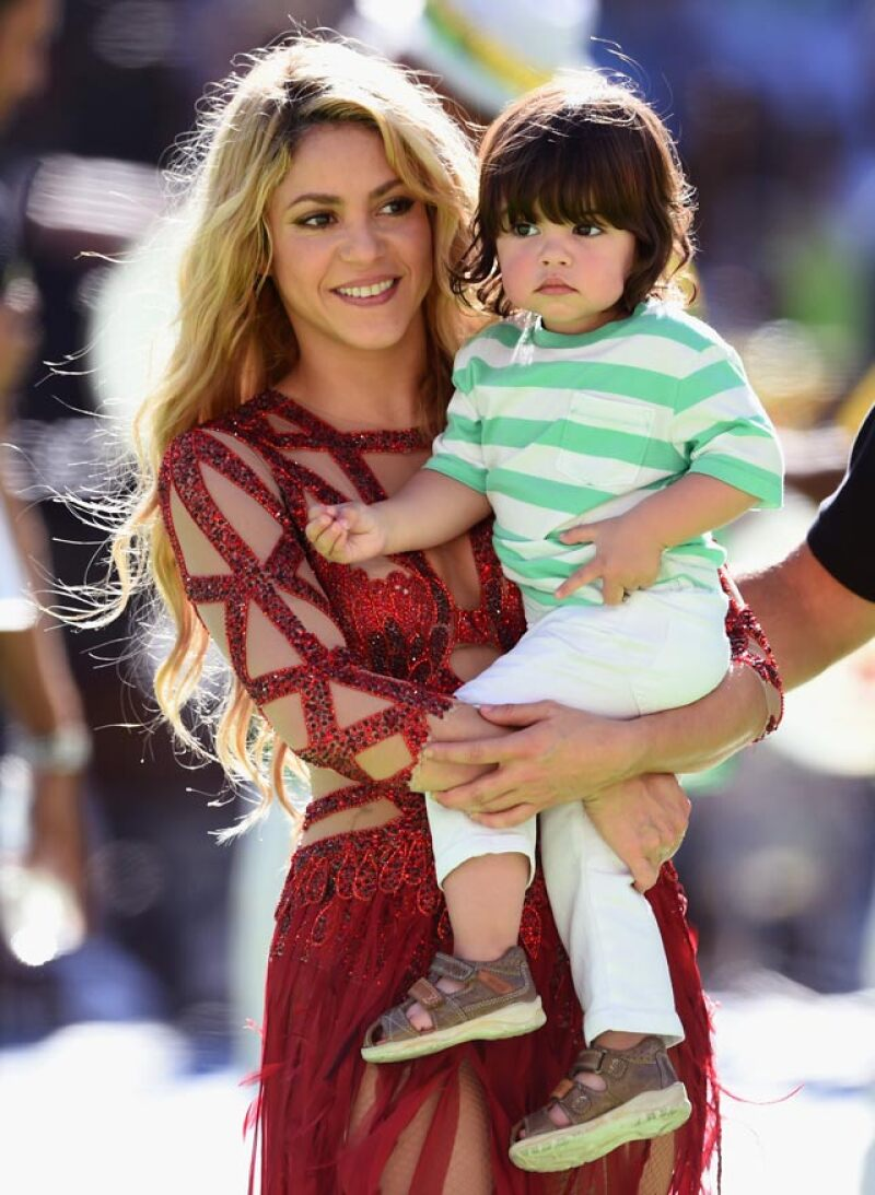 Shakira y Milan en la clausura de la FIFA 2014.