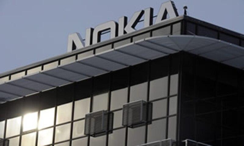 Nokia ha perdido participación en el mercado de móviles ante la presencia de los teléfonos con Android y el iOS.  (Foto: Archivo)