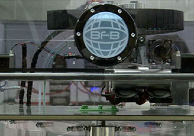 Actualmente se puede adquirir una impresora en 3D por menos de 2,000 dólares. (Foto: Cortesía CNNMoney.com)