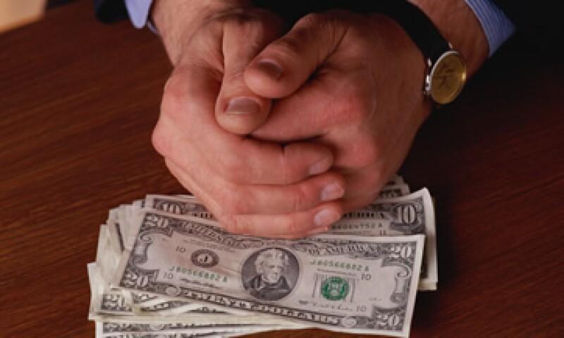 Banco Base estima que el tipo de cambio podría cotizarse entre 13.07 y 13.22 pesos por dólar, este viernes. (Foto: Thinkstock)