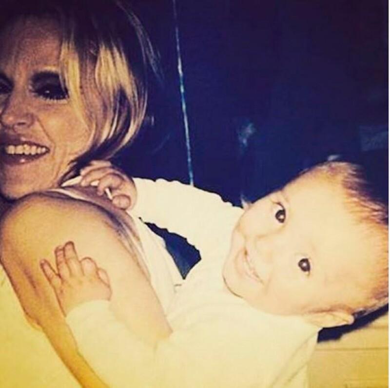 La cantante ha compartido fotos de su hijo, quien abandonó su casa a finales de 2015.
