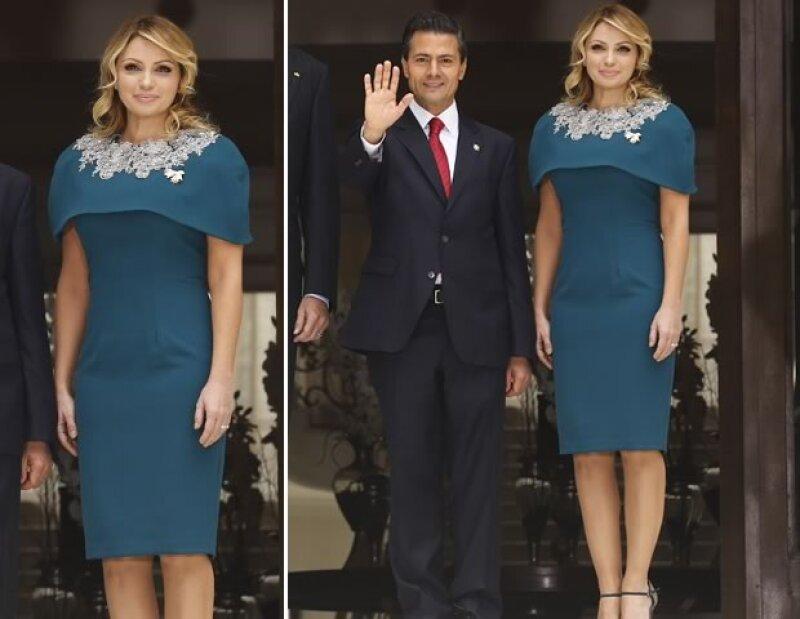 Para la comida con los reyes españoles, la primera dama mexicana utilizó un vestido Benito Santos con capa y aplicaciones.