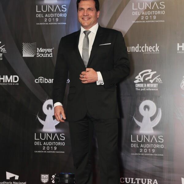 LUNAS DELAUDITORIO, ALFOMBRA ROJA
