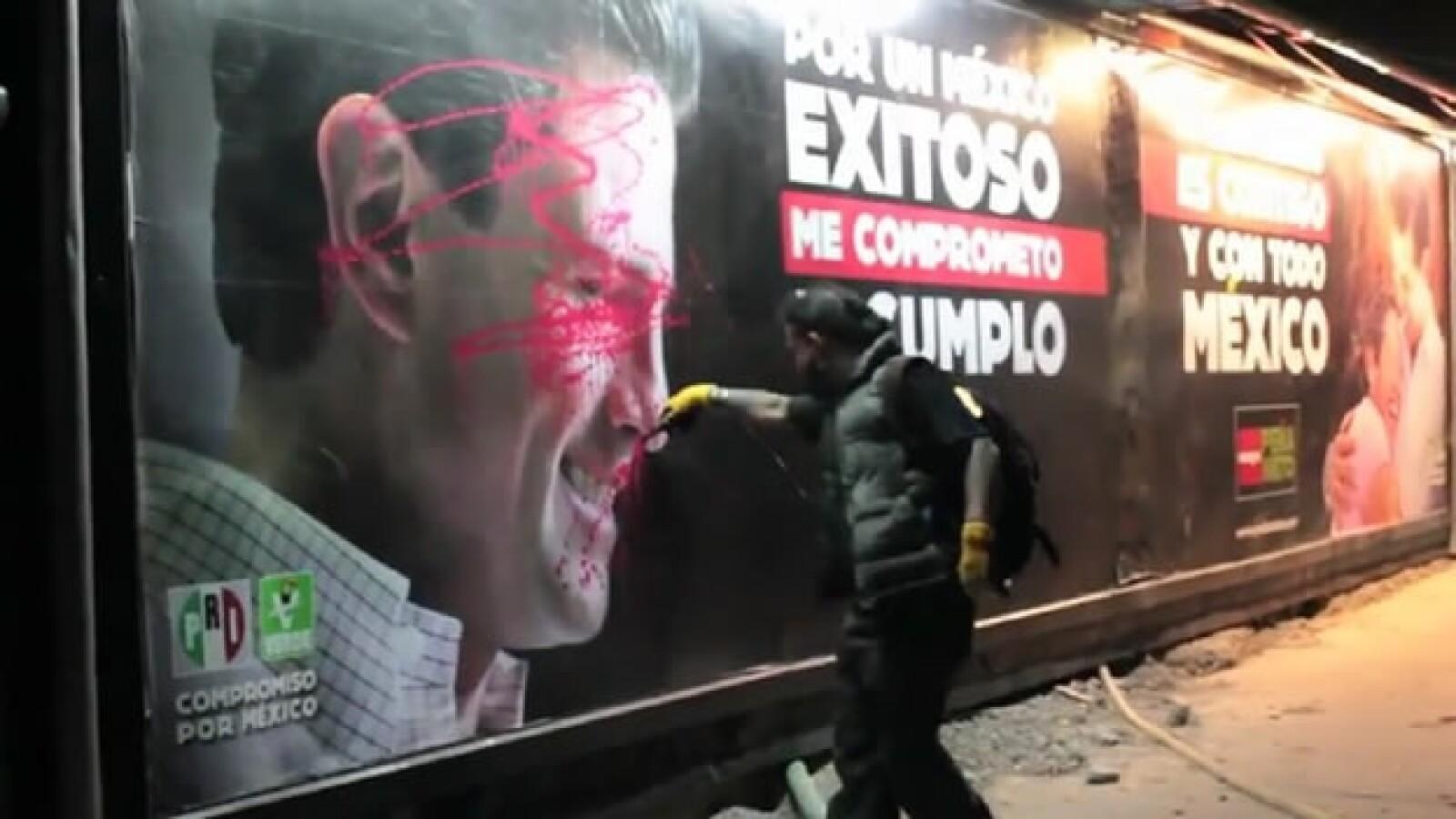 Artistas instalan mensajes de rechazo a campañas