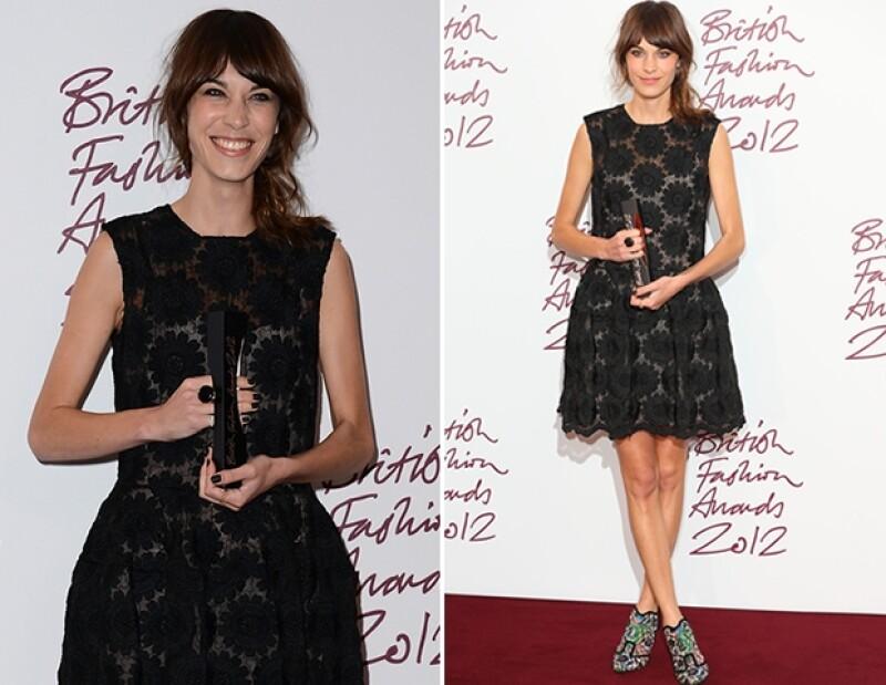 Alexa Chung ganó por cuarta ocasión el premio al Britsh Style Icon.