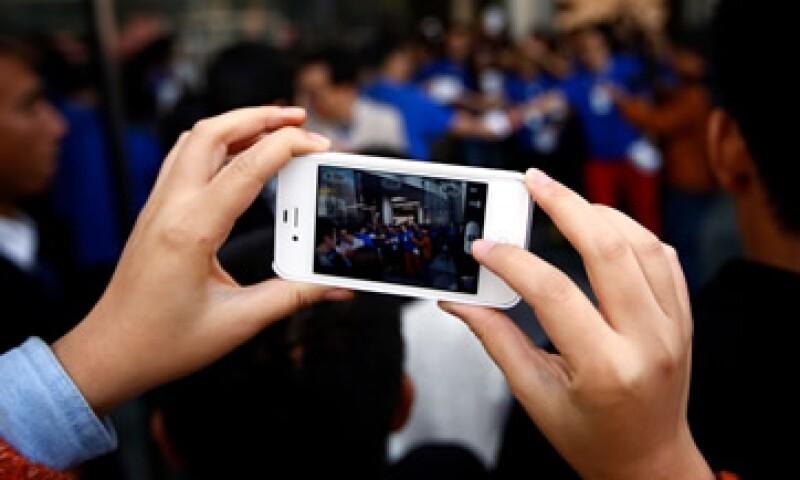 Telcel, Iusacell y Movistar iniciaron la venta del iPhone 5 en México desde la madrugada de este viernes. (Foto: Reuters)