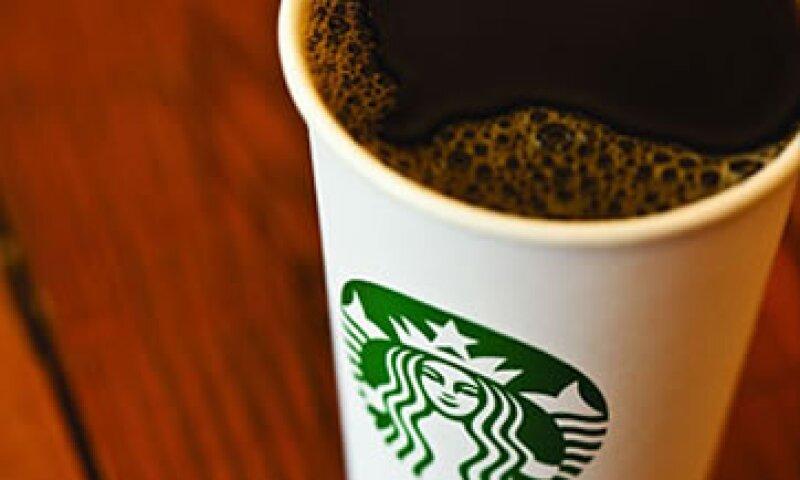 Se castigó también a Starbucks por entregar información falsa a los trabajadores, desacreditar a los dirigentes sindicales y alterar el quórum de una huelga. (Foto: Cortesía CNNMoney.com)