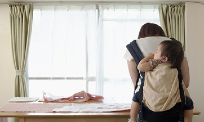 Los empleadores deben dar a las nuevas madres 12 semanas de licencia de maternidad no remunerada. (Foto: Getty Images)