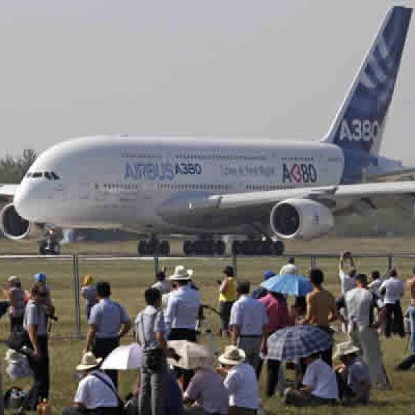 Las empresas como Boeing y Airbus asisten a la Airbus Exhibición Internacional de Aviación y del Espacio de Moscú para mostrar sus novedades.