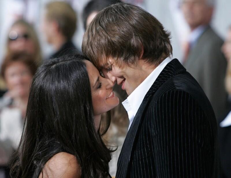A poco más de un año de la separación entre Demi Moore y Ashton Kutcher, una de las parejas más consolidada de Hollywood, tal parece que ella no ha logrado superar la depresión en la que cayó.