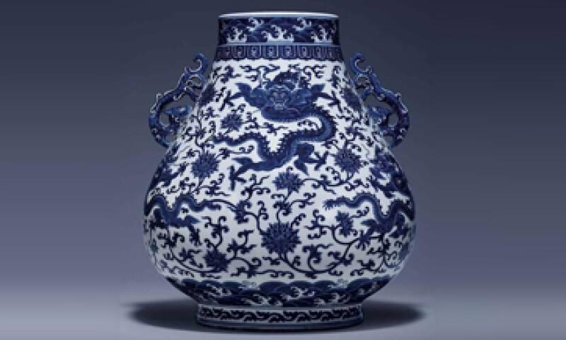Un bol de jade blanco de le época Qianlong se vendió en más de 3 millones de euros. (Foto: Facebook/Christie's)
