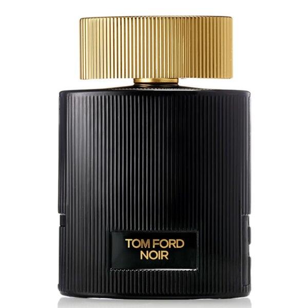 Tom Ford Noir Pour Femme: inspirada en la dualidad de la mujer, la fragancia fusiona un aroma floral y cítrico con manjares de la India, vainilla, pistache y ámbar para darle calidez y sensualidad. 2,510 pesos.