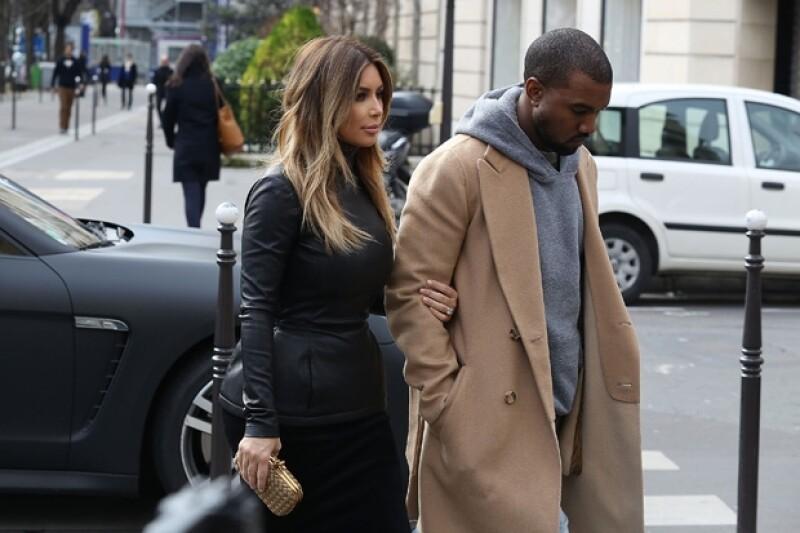 La famosa celebridad quiere saludar a sus seguidores tras su enlace con Kanye West al estilo de las princesas europeas.