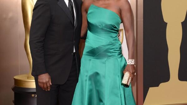 Viola Davis llegó acompañada de su esposo Julius Tennon. Eligió el verde de nuevo en su outfit.
