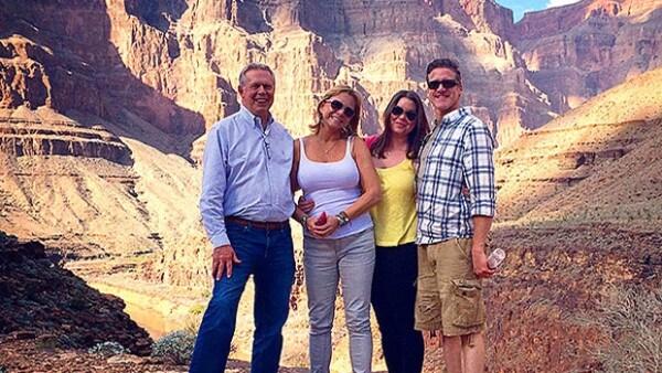 Aunque la semana pasada se dio a conocer que Brittany Maynard podría extender el plazo que se dio para morir con dignidad, el sábado se despidió de sus amigos y familiares en su hogar.