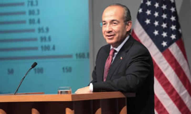 Felipe Calderón se reunió con la comunidad mexicana en Houston. (Foto: Notimex)