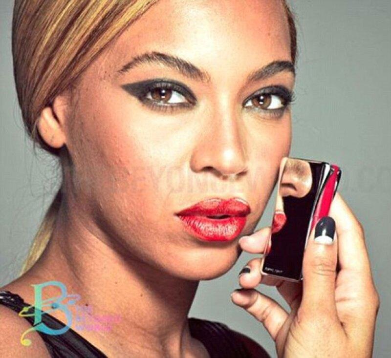 En 2013, la cantante promocionaba una línea de cosméticos.