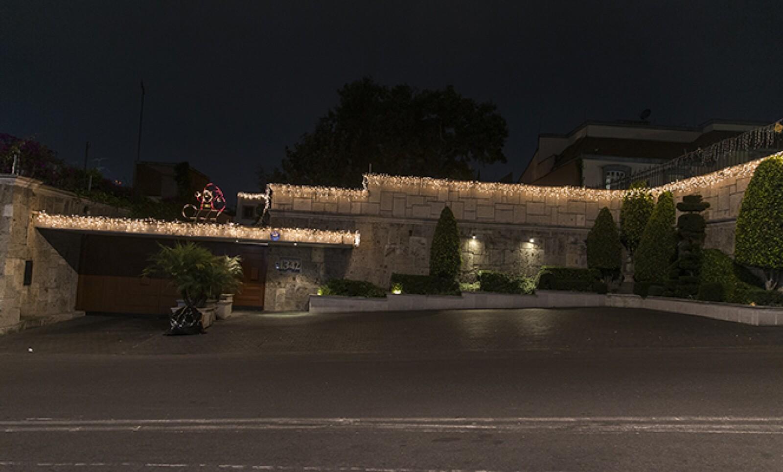 Para algunas familias, la decoración del hogar es reflejo de su espíritu navideño.