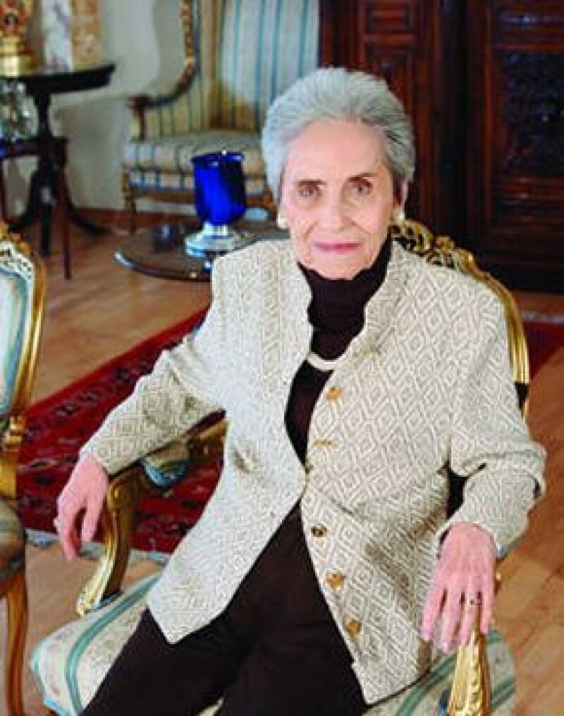 La escritora falleció el día de hoy a sus 87 años de un paro cardiaco, sus restos serán velados en el Panteón Francés.