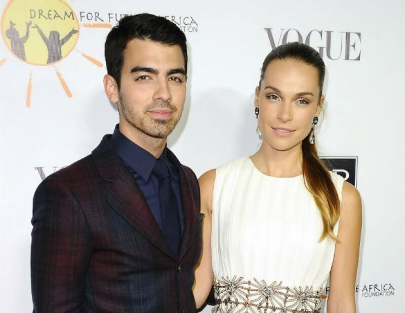 Aunque los Jonas Brothers se hayan separado, uno de los famosos hermanos continúa siendo el centro de atención en los eventos de mayor renombre.