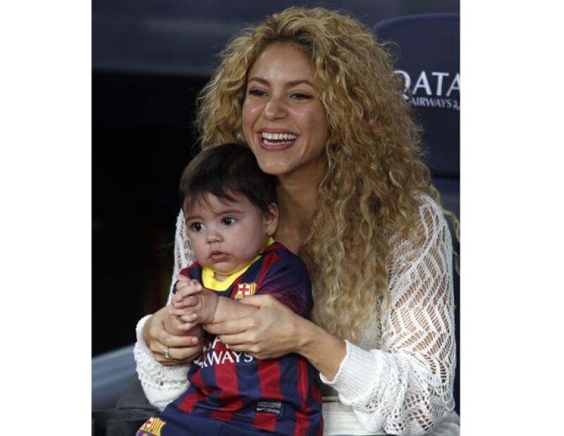 La famosa cantante no soporta la idea de tener que separarse varios días de su hijo Milan, por lo que todavía no ha decidido si saldrá de gira este año.