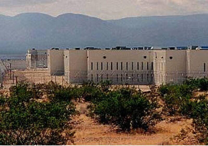 California planeaba dejar libres a 37,000 convictos en dos años. (Foto: AP)
