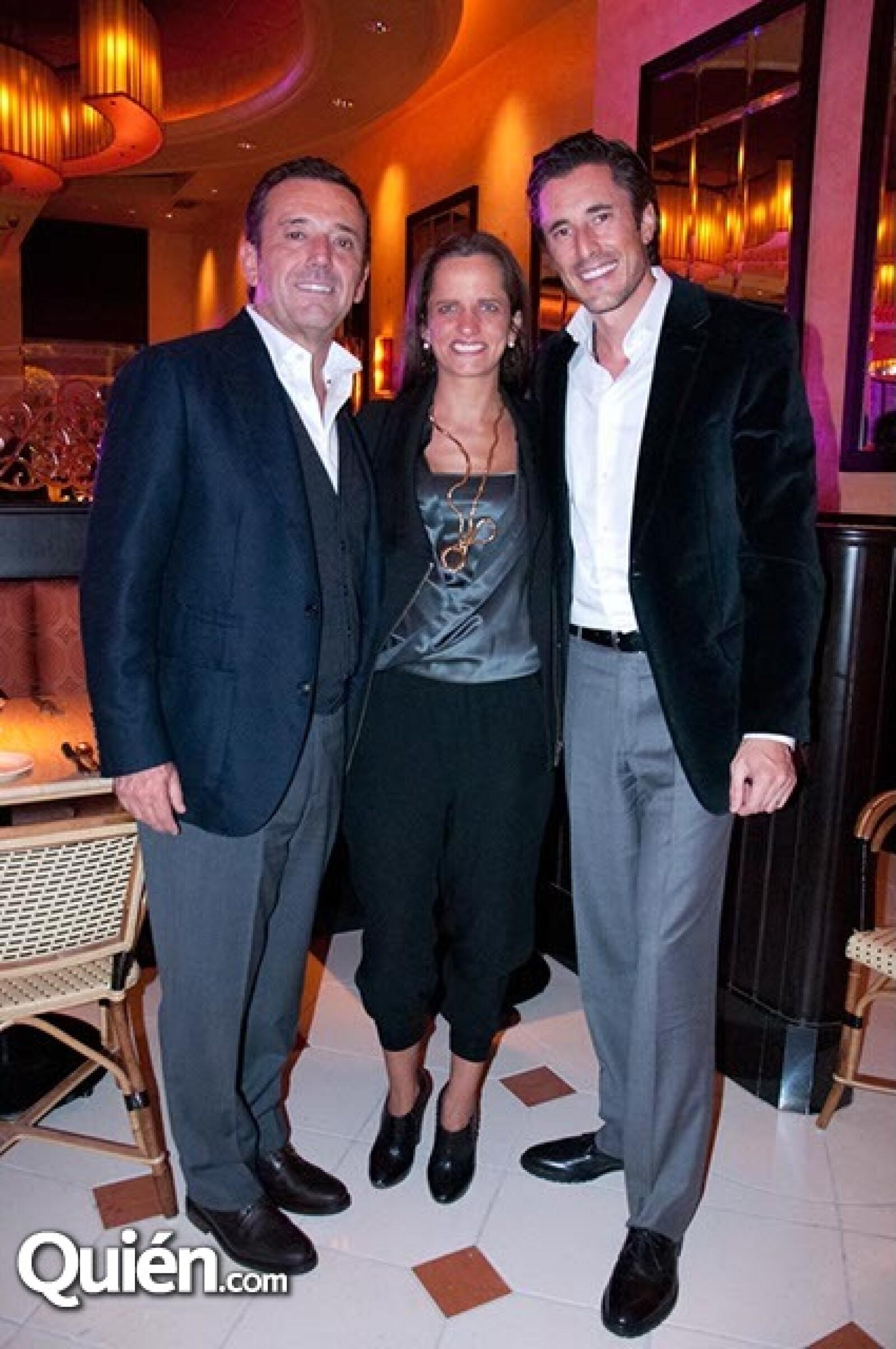 Cosme Torrado, Sandra Gómez y Santiago Cortina