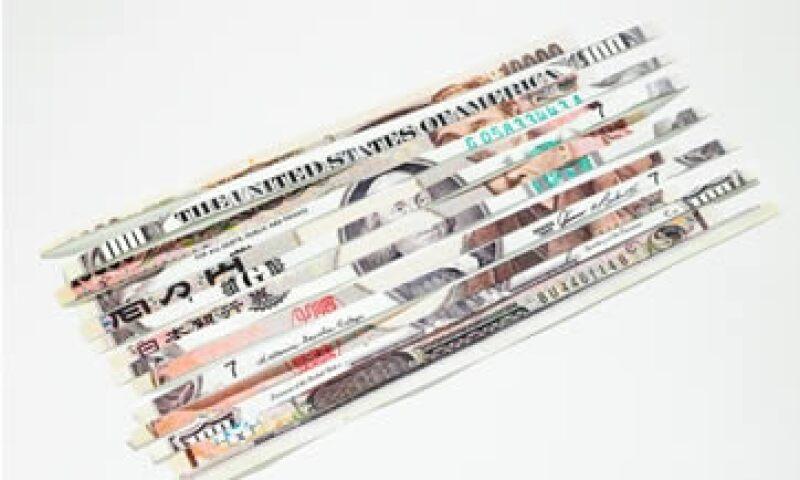 La divisa estadounidense tocó un nuevo piso histórico de 75.77 yenes. (Foto: Thinkstock)